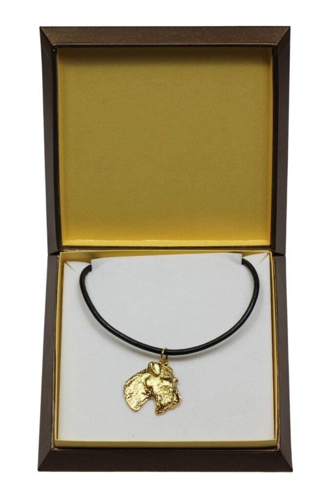 Fox Terrier  collier doré avec un  en dans une boîte, Art Dog FR