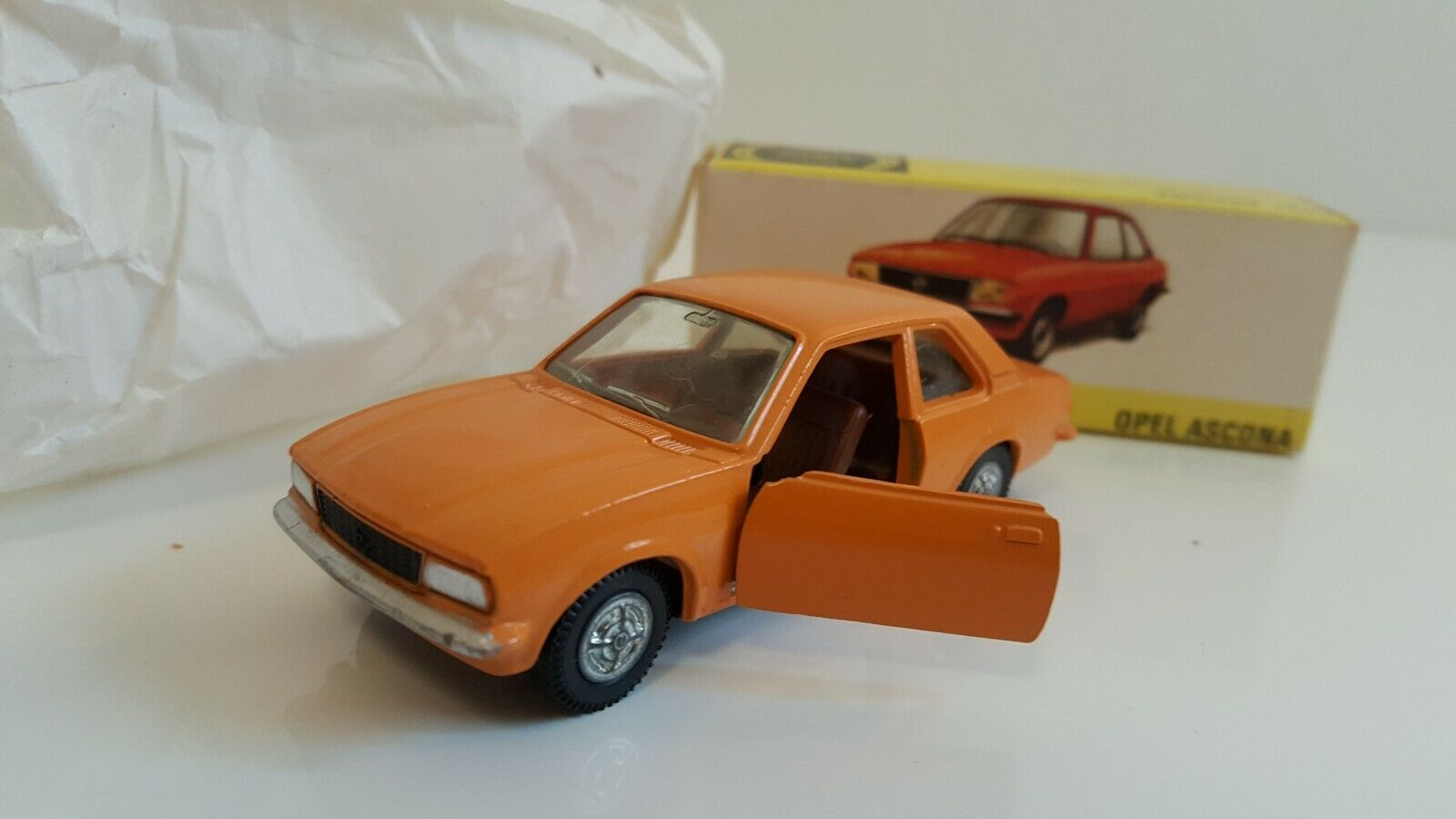 Dinky Toys - 011 543 - Opel Ascona en boîte d'origine MIB