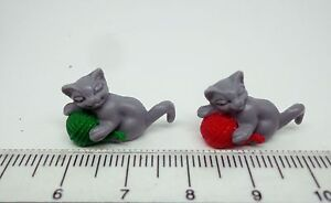 1-12-Scale-Pack-Of-2-Kittens-With-Ball-Dolls-House-pet-Nursery-Accessory-G