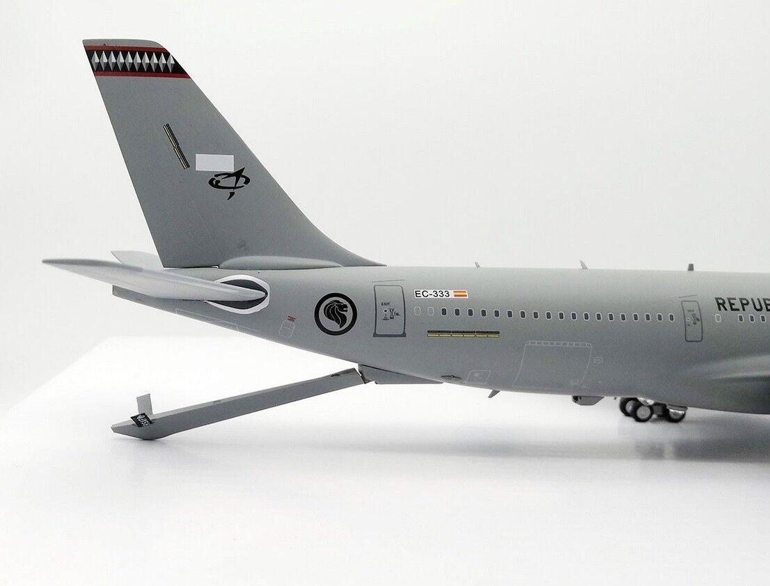 Ifmrttsaf001 1 200 200 200 Singapur Air Force Airbus A330-200mrtt Ec-333 mit Ständer 819f8a