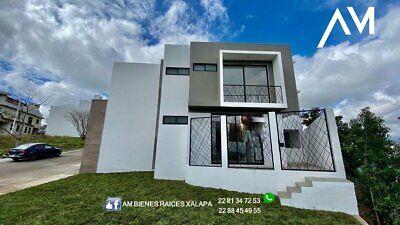 PRECIOSA casa de 4 recamaras en el FRACC LAS PALOMAS  colinda con area verde