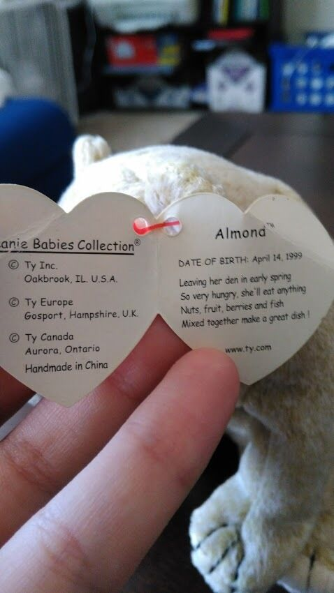 1999 Almond Limited Edition Ty Beanie Baby with with with Tag Errors Two Tush Tags RARE befdf0
