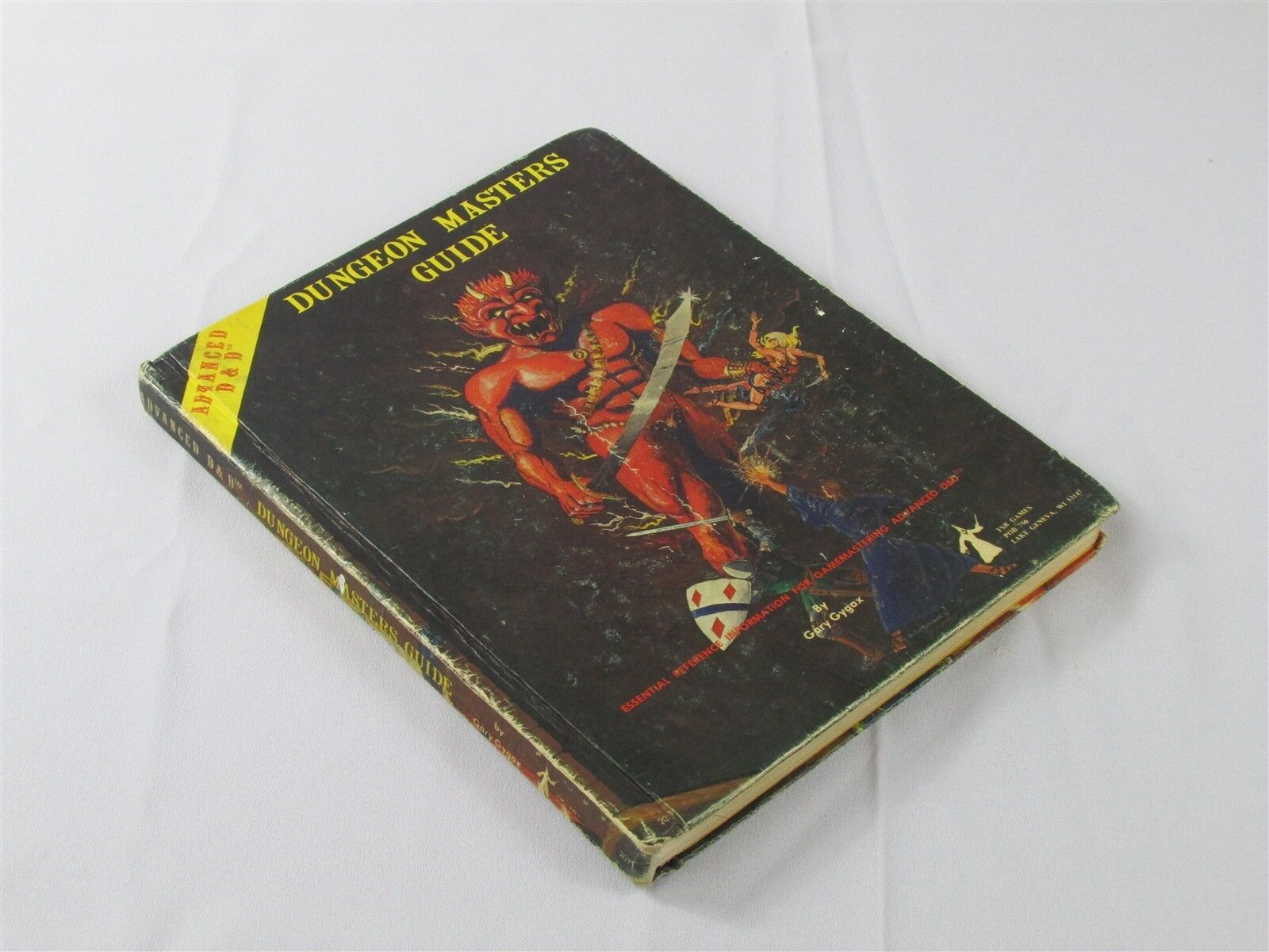 DUNGEON MASTERS GUIDE TSR spel 1979 gul PERSONER 3RD GAMMA