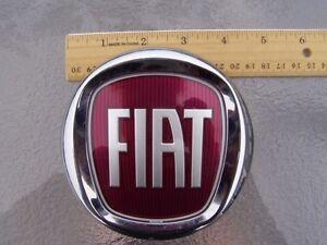 14 15 fiat 500l 500 l rear hatch lift gate badge emblem oem 2014 2015 ebay. Black Bedroom Furniture Sets. Home Design Ideas