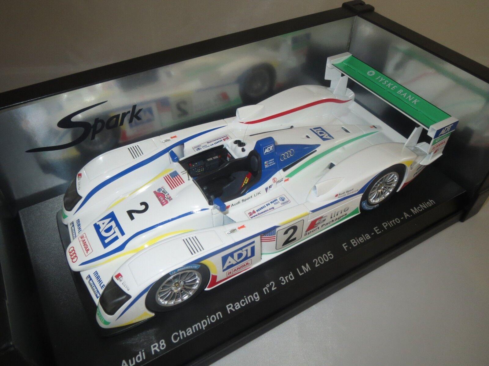 SPARKi r8 Champion Racing nº 2 3rd LM 2005 F. BIELA-E. Pirro-A. Mcnish 1 18 (1)