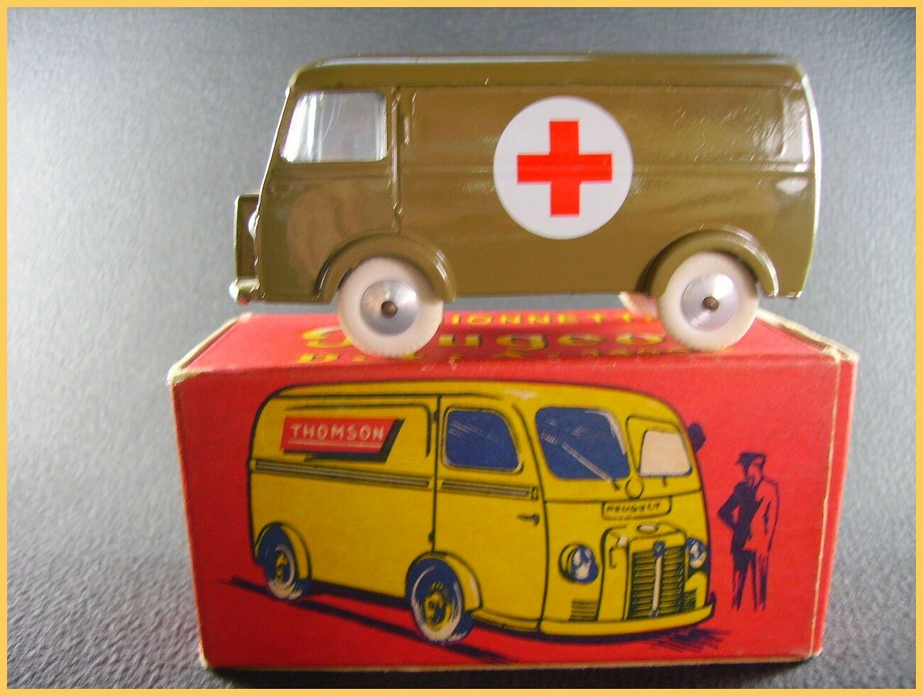 QUIRALU Peugeot D.4.A  ambulance + boite