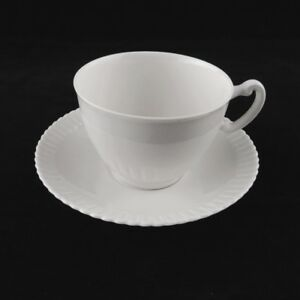 Vintage-Syracuse-Fine-China-Ivory-SHELLEDGE-pattern-CUP-amp-SAUCER-Scallop-Handle