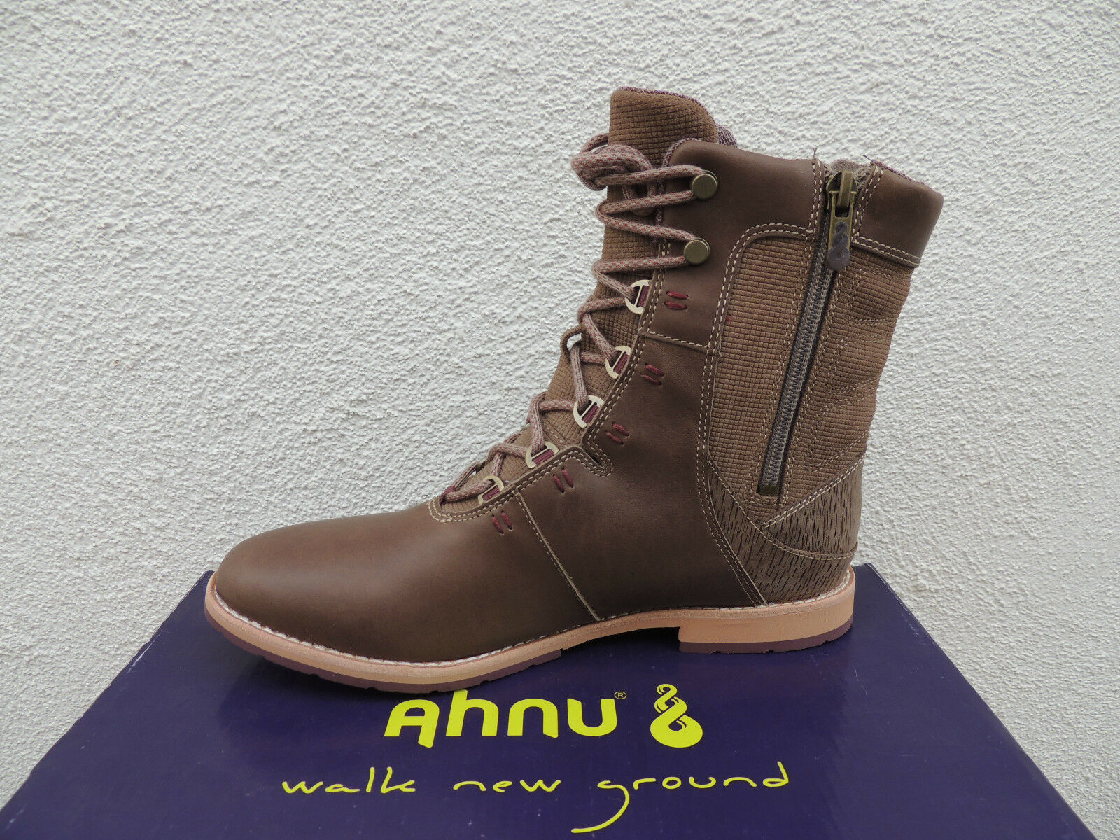 AHNU AHNU AHNU CHENERY TIMBER WOLF WATER-PROOF LEATHER ANKLE BOOTS, US 9/ EUR 40 ~NIB a99740