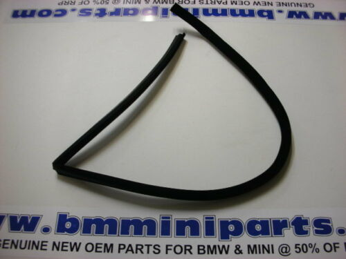 BMW E39 TOURING RIGHT REAR SIDE WINDOW EDGE PROTECTION 51728190632