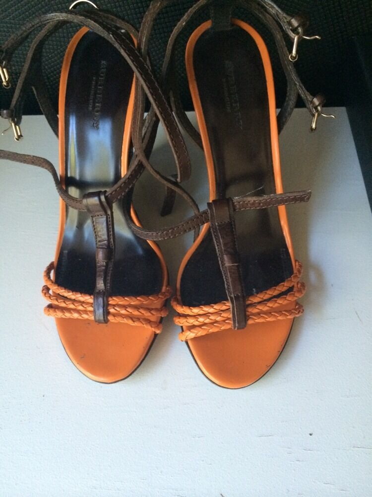 Burberry Woven  Sandals Leder Orange And Braun Wedge Sandals  Size 38 e73b41