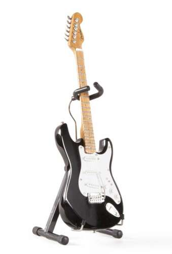 Axe Heaven Fender Licensed Black Strat 1/4 scale Miniature Collectible FS-002