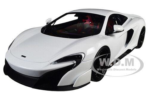 MCLAREN 675LT WHITE 1 18 DIECAST MODEL CAR BY KYOSHO C 09541 W