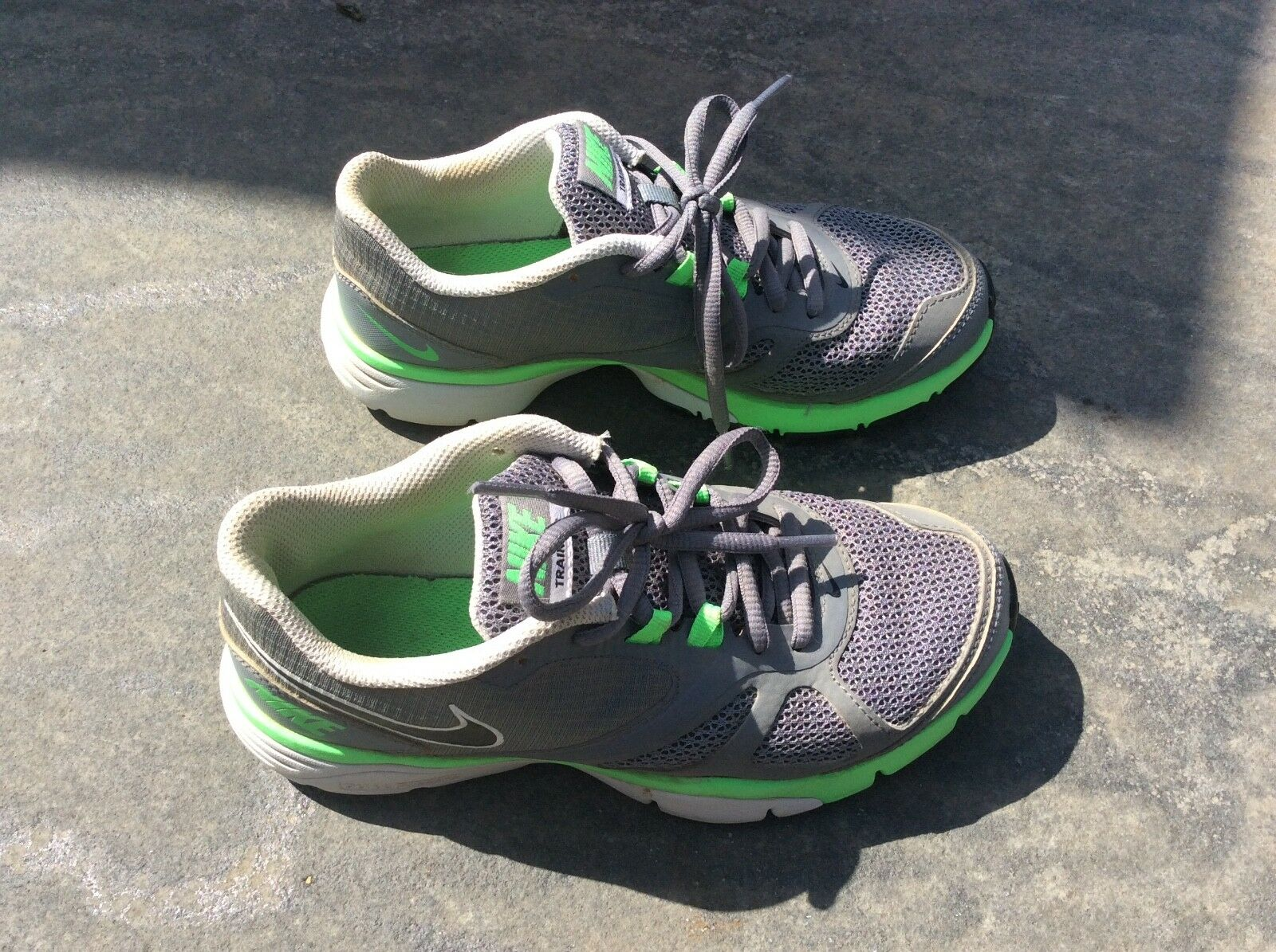 Ladies Girls  Nike Grey. Mesh Training Trainers UK size 3