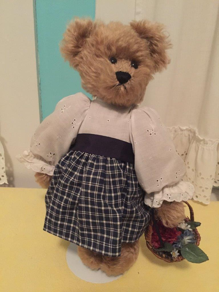 oroEN Hand Made Mohair Bear 14  by Artist Mary Martin  w Outfit Basket