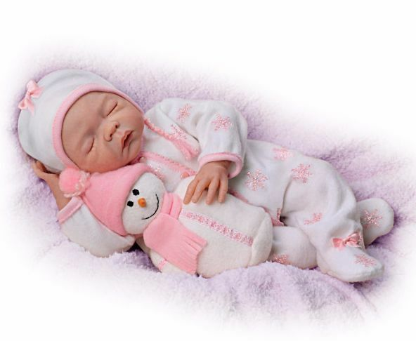 WINTER PRINCESS! 18 Inch Life Like Collectors Baby Girl Doll + Snowman Toy