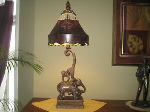 FIGURAL CIRCUS ELEPHANT AND MONKEY TABLE LAMP RESIN WITH FAUX LEATHER SHADE VTG
