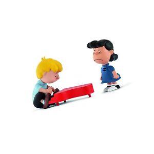 Schleich North America Scenery Pack Lucy /& Schroeder Toy Figure 22055