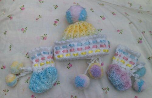 """22/"""" le dimensioni del bambino. Abito per Bambola Reborn CUFFIA /& Bootees Set Knitting Pattern in Dk"""