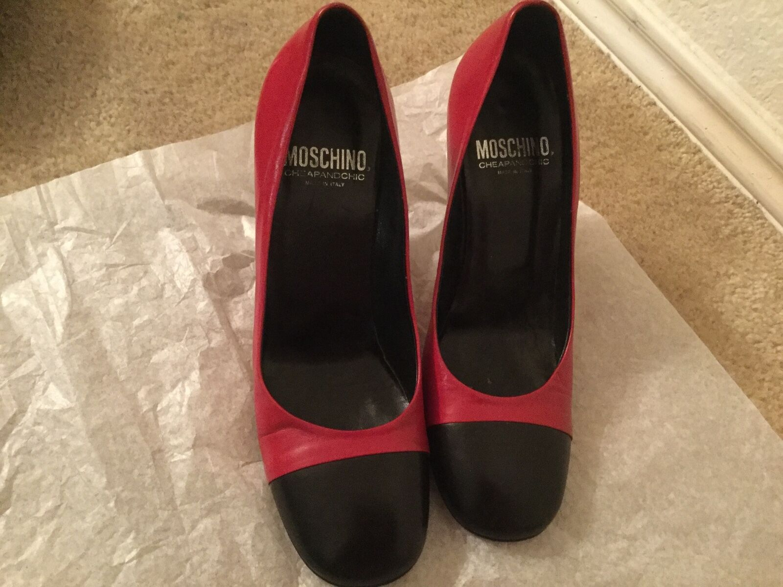 MOSCHINO RED/BLACK PATENT LEATHER  MID-HEEL SHOE SZ 36.5MADE 36.5MADE SZ IN ITALY f4b322