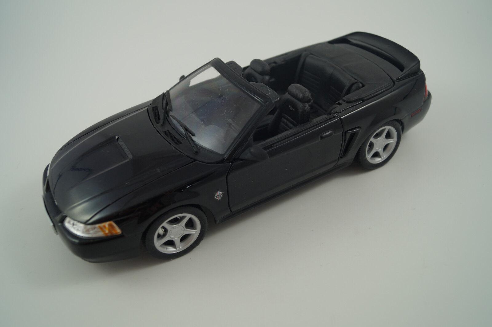 Maisto Voiture Miniature 1 18 mustang GT 1999