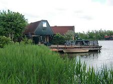 Ferienhaus mit Boot am See, am Wasser, Niedorp,Niederlanden.