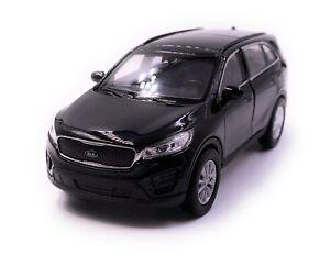 KIA-SORENTO-modello-di-auto-auto-nero-scala-1-34-concesso-in-licenza