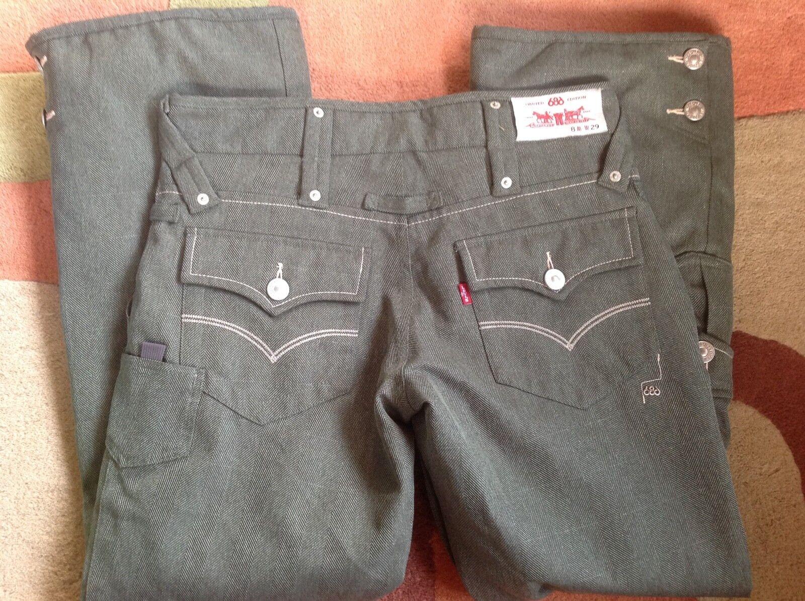 686 Snowboard or ski insulated pants. Women's small. Denim jeans. Goretex