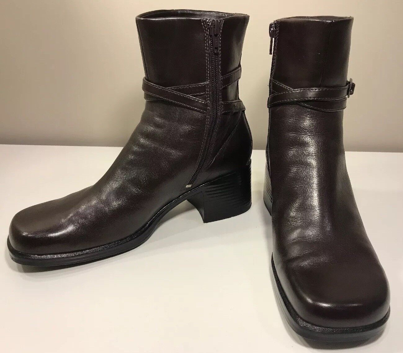 Clarks Ankle Boots Side Zip Leather Brown Women's Size 8M