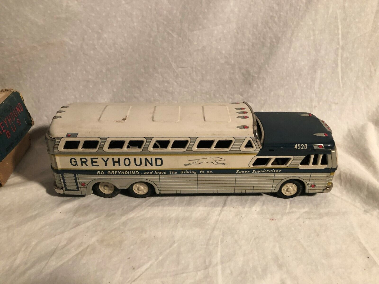 Vintage Tin Friction Drive grigiohound Bus 4520 with Original Box