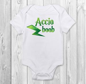 arrivée Cadeau Accio Boob Drôle Harry Potter Inspiré Baby Grow body gilet