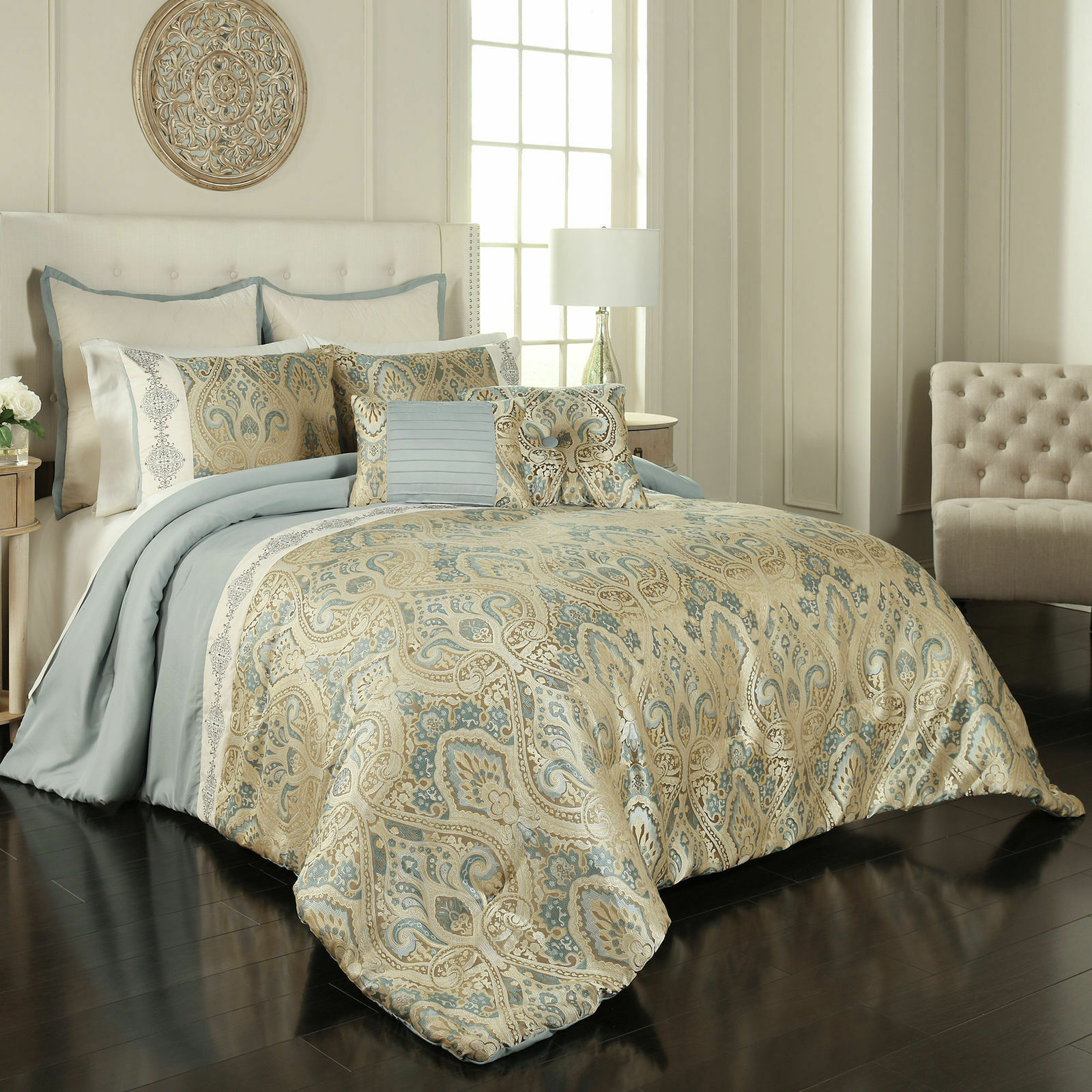 Luxurious Blau Jacquard Ornate Medallion 7 pcs Comforter King Queen Set