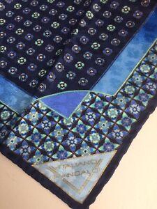 Vitaliano-Pancaldi-fazzoletto-bandana-blu-in-seta
