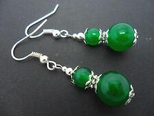 Un par de Verde Jade Plateado Gota Colgantes Pendientes. Nuevo.