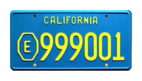 ADAM-12LAPD Malloy Plymouth SatelliteE999001STAMPED Prop License Plate