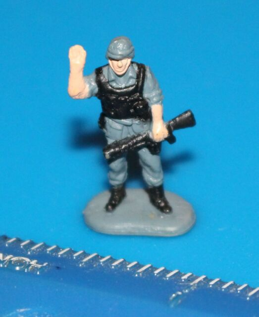Military Micro Machines GREY SOLDIER Figure #30 Galoob