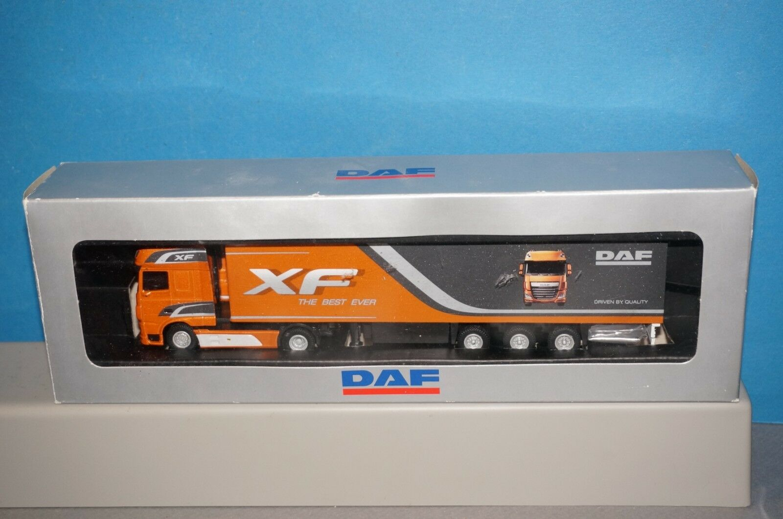 Rf40] WSI Models-daf xf super space cab 4x2+box Caravane - 3 AXLE foire modèle-neuf dans sa boîte