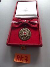 SchbüRK7 Österreich Bronzene Verdienstmedaille ÖRK Rotes Kreuz im Etui f. Frauen