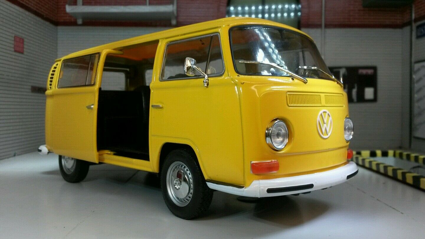 G LGB VW Bay T2 Dormobile Campervan 1972 Welly 1 24 Scale Diecast Model Bus Van
