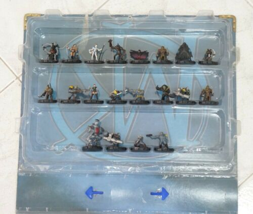 Mage Knight Rebellion Carrying Case con 41 pezzi Heroclix. Wizkids - NON COMP...