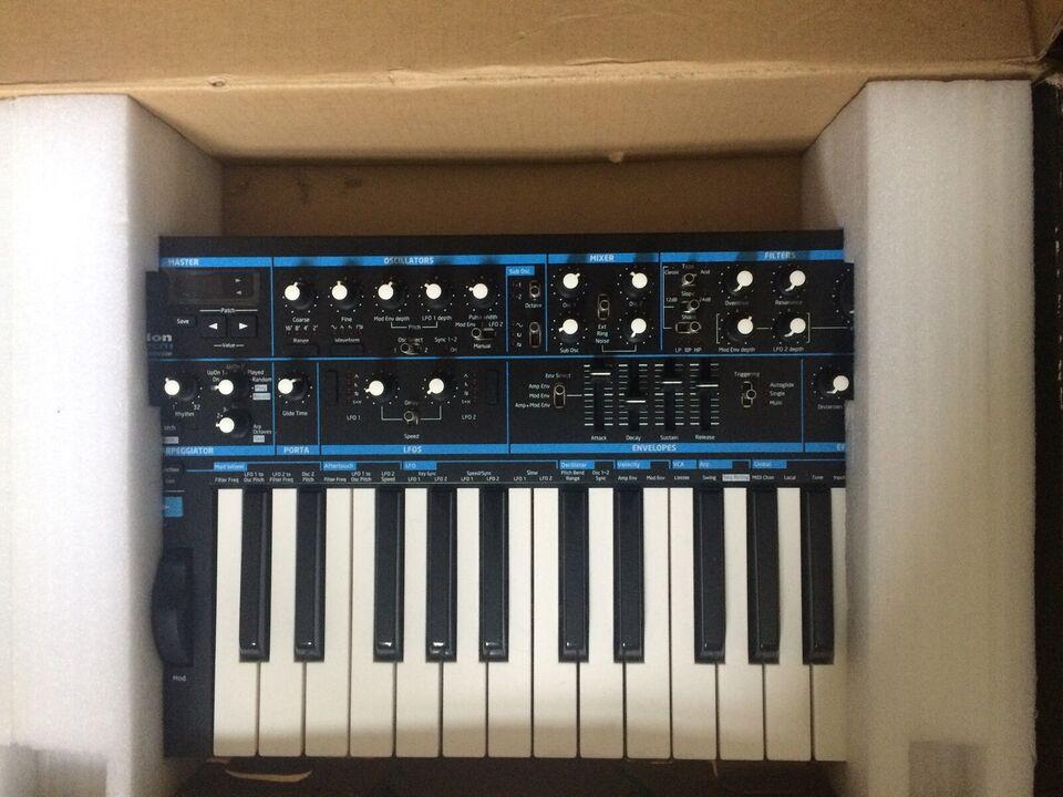 Novation Bass Station II, Analog Synthesizer, Novation