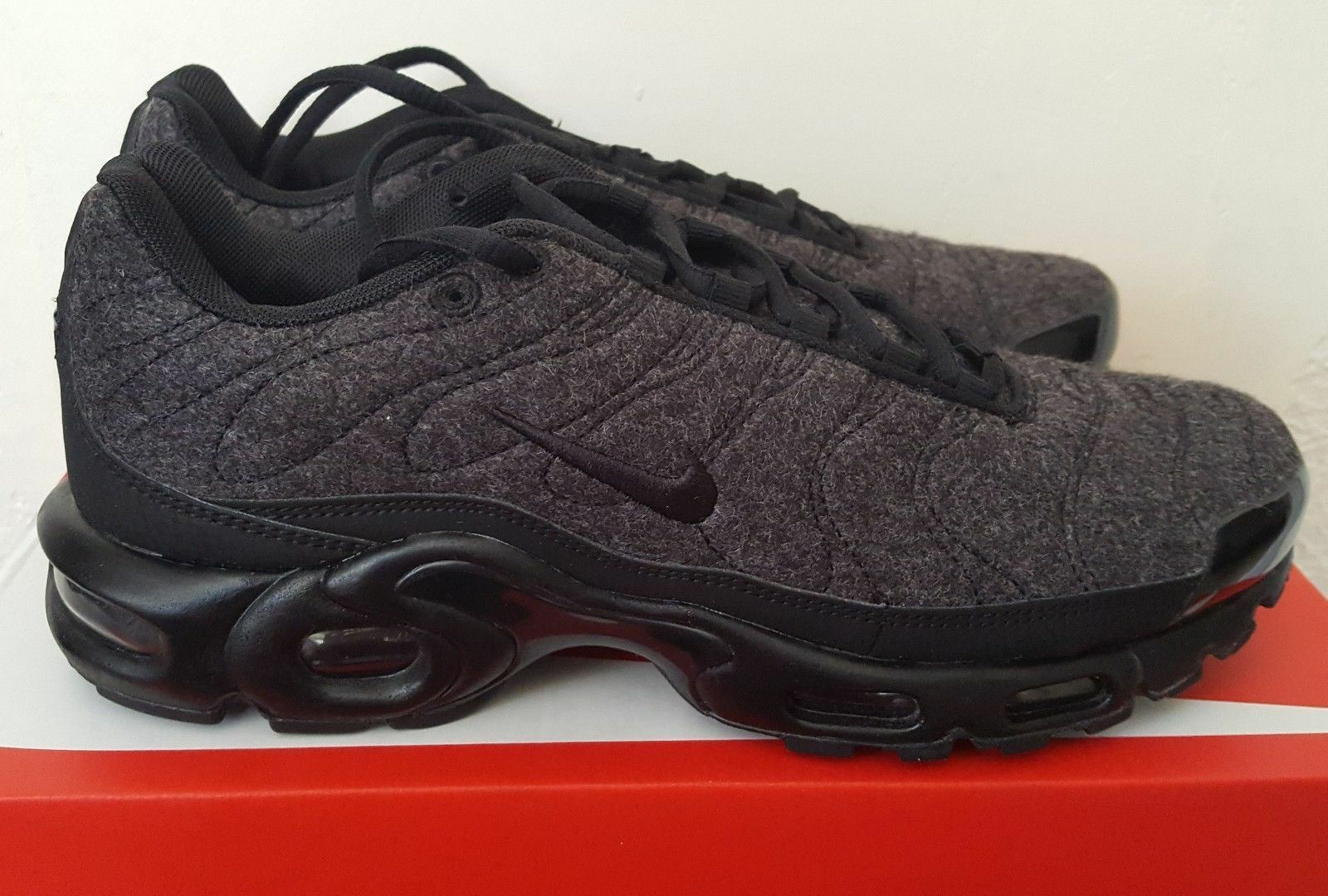 Nike Air Max Plus Quilted Black/Black/Anthracite RARE 806262-022 SIZE 9