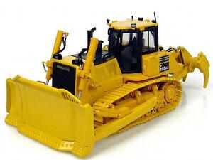 1-50-UH8010-Komatsu-D155AX-7-Bulldozer-w-Ripper-UNIVERSAL-HOBBIES-Metal-Tracks