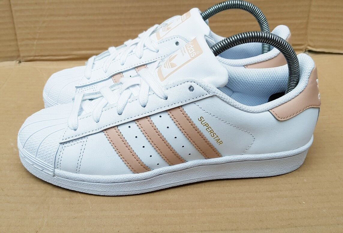 newest d1cf5 cb84c ... RARE ADIDAS SUPERSTAR SHELL TOE TRAINERS blanc   ASH ASH ASH PEACH  Taille 5WORN ONCE 1880f5 ...