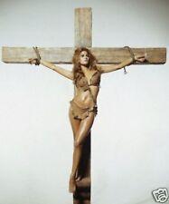 Raquel Welch Sexy 10x8 Photo Cross