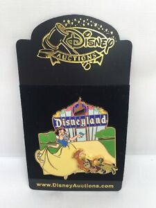 Details about Disney Auctions Disneyland Marquee/Sign Snow White Slider Pin  LE 1000 on Card