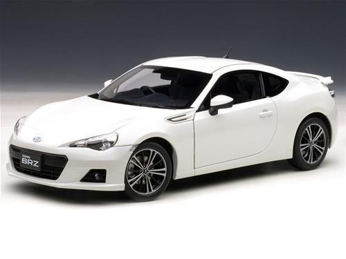 1/18 Autoart Subaru Br-Z  Bianco  + Kostenlose 1/18vitrine -sonderaktion