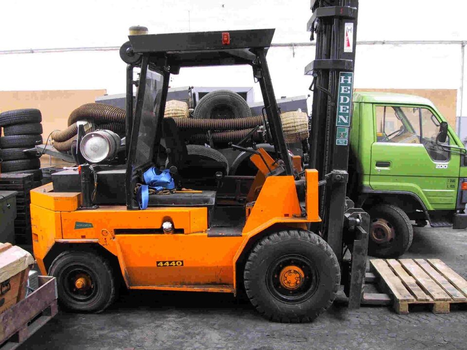 Gaffeltruck Heden 4440s - 4.000kg.