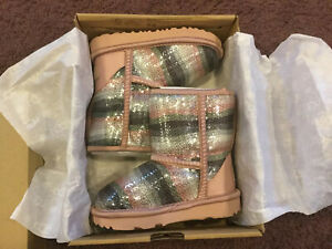 NEW-KIDS-TODDLER-SIZE-8-SEQUIN-RAINBOW-UGG-CLASSIC-II-SHORT-BOOTS-1103622T
