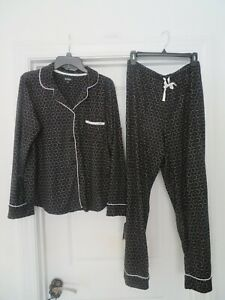 NEW-NEW-DKNY-Black-amp-White-L-2-pc-Pajama-set-LS-Button-Top-V-Neck-amp-Bottom-74
