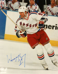 WAYNE GRETZKY SIGNED AUTOGRAPHED 8x10 PHOTO NEW YORK RANGERS LEGEND BECKETT BAS